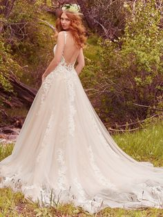 Vana Wedding Dress | Maggie Sottero