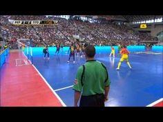 Khi các cầu thủ BARCA đá Futsal