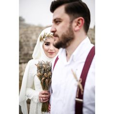 Muslimah Wedding Dress, Muslim Wedding Dresses, Wedding Hijab, Carnival Photography, Bridal Photography, Egyptian Wedding, Cute Muslim Couples, Save The Date Photos, Couple Photography Poses