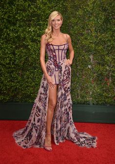 Heidi Klum stunned in ‪#‎AtelierVersace‬ at the Creative Arts Emmy Awards this evening. ‪#‎VersaceCelebrities‬