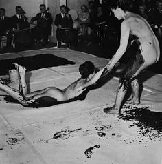 Yves Klein, The Monotone Symphony (1949, rec. March 9, 1960) there was a live orchestra playing whilst the bodies were being dragged through the paint..