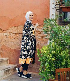 Fame Dubai Home FameDubai Magazine Modern Hijab Fashion, Abaya Fashion, Muslim Fashion, Women's Fashion, Fashion 2020, Hijab Fashionista, Hijab Chic, Hijab Dress, Hijab Outfit