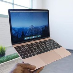Rose Gold Macbook Photo: Marquez Brownlee by themacworld - Best of Wallpapers for Andriod and ios Macbook Gold, Macbook Skin, New Macbook, Macbook Apple, Macbook Laptop, Leica, Macbook Air 13 Pouces, Apple Rose Gold, Macbook Pro Wallpaper