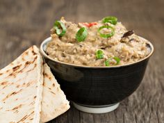 Recipe: Baba Ghanoush – Health Essentials from Cleveland Clinic Roasted Eggplant Dip, Roast Eggplant, Grilled Eggplant, Caviar D'aubergine, Eat This, Food Lab, Baker Recipes, Gourmet, Koken