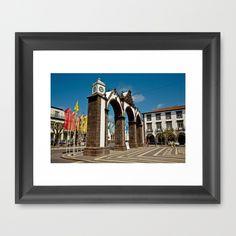 (EN) Framed print. The city gates (Portas da Cidade) in the city of Ponta Delgada. Sao Miguel island, Azores islands, Portugal. (PT) Fotografia com moldura, para decoração de interiores. As Portas da Cidade na cidade de Ponta Delgada, ilha de São Miguel, Açores.