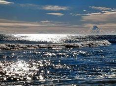 Il mare ci regala sempre emozioni nuove, anche dopo una giornata burrascosa! Credits: Bruno Momentè
