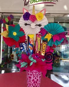 Valentine Decorations, Birthday Decorations, Craft Gifts, Diy Gifts, Diy And Crafts, Paper Crafts, Chocolate Bouquet, Candy Bouquet, Ideas Para Fiestas