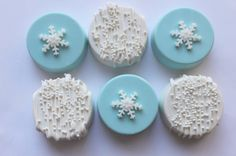 SNOWFLAKE/WINTER/FROZEN Chocolate Covered Oreos by InTheMixSweeets