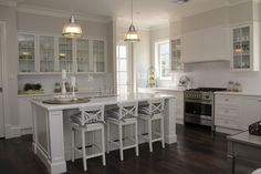 New Hampton by Charleston Homes at HomeWorld Kellyville Die Hamptons, Hamptons Style Homes, Hamptons Decor, New Hampton, Charleston Homes, Living Styles, Coastal Decor, New Kitchen, Home Kitchens