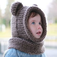 Knitting pattern Patron tricot Brian Bear Cowl by TheEasyDesign Halloween Knitting Patterns, Knitting Projects, Crochet Projects, Crochet Beanie, Knitted Hats, Crochet Hats, Free Crochet, Knit Crochet, Hooded Cowl