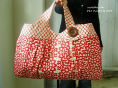 cute bag tutorial! You can never have too many bags.