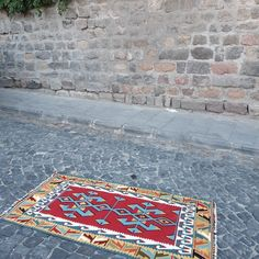 Turkish vintage rugs Hallway Rug, Turkish Kilim Rugs, Small Rugs, Kilim Pillows, Floor Rugs, Handmade Rugs, Rug Runner, Vintage Rugs, Rugs On Carpet
