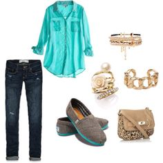 Cute outfit! WANT those TOMS!!!!