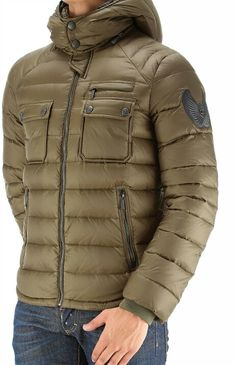 Roberto Cavalli – SA , RP – Join the world of pin Camo Print Jacket, Mens Puffer Vest, Man Dressing Style, Mens Fashion Wear, Stylish Mens Outfits, Vest Outfits, Light Jacket, Roberto Cavalli, Mens Sweatshirts