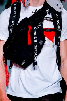 sport sport outif Christopher Raeburn Menswear S Sport Fashion, Mens Fashion, Fashion Trends, Sport Wear, Sport Sport, Christopher Raeburn, Hip Bag, Casual Bags, Street Wear