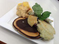 Blueberry pancakes with quinoa porridge