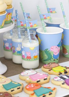 Peppa Pig milk and cookie - a perfect party combination!