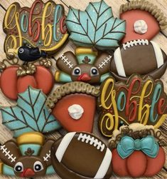 Savoy biscuit with Mercotte chocolate - HQ Recipes Football Cookies, Turkey Cookies, Fall Cookies, Cut Out Cookies, Holiday Cookies, Pink Cookies, Iced Cookies, Cute Cookies, Cookie Icing