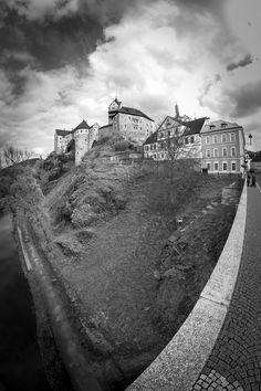 Loket Castle with Bridge Palaces, Castles, Bridge, Sidewalk, Country Roads, Architecture, Arquitetura, Palace, Chateaus