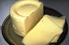 Domácí tavený sýr z mléka, tvarohu a ....