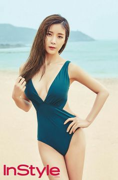 Rainbow's Hyunyoung and Woori are Hot Beach Babes for InStyle Hot Beach, Beach Babe, South Korean Girls, Korean Girl Groups, Hyun Young, Instyle Magazine, Girl Bands, One Piece Swimwear, Gossip Girl