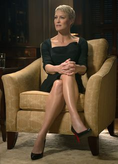 Claire Underwood's 10 Best Power Looks