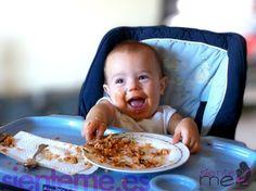 La OMS y la AEP recomiendan empezar con la alimentación complementaria a partir del sexto mes, puede ser a los siete meses, seis meses y 10 días u ocho meses.