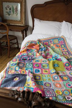 The Vintage Sweethearts blanket by Cherry Heart. Originally part of the Crochet . : The Vintage Sweethearts blanket by Cherry Heart. Originally part of the Crochet Now CAL this blanket was inspired by those wonderful crafting ladies in years gone by. Motifs Granny Square, Granny Square Blanket, Granny Square Crochet Pattern, Crochet Squares, Crochet Blanket Patterns, Crochet Granny, Granny Squares, Knitting Patterns, Chunky Blanket