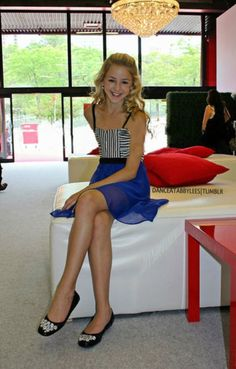 Chloe Lukasiak, so beautiful in this pic! Wearing a Sally Miller dress Dance Moms Chloe, Dance Moms Dancers, Dance Mums, Dance Moms Girls, Mom Season 1, Sally Miller, Chloe Lukasiak, Mom Pictures, Up Girl