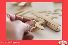 DIY Clothespin and Popsicle Stick Airplane - The Idea King Top Gun Party, Airplane Party Favors, Summer Activities For Kids, Popsicle Sticks, Creative Thinking, Happy Kids, Popsicles, Projects For Kids, 2nd Birthday
