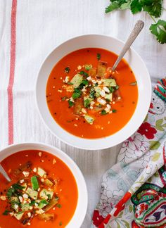 Roasted red pepper soup with a Tex-Mex twist - cookieandkate.com