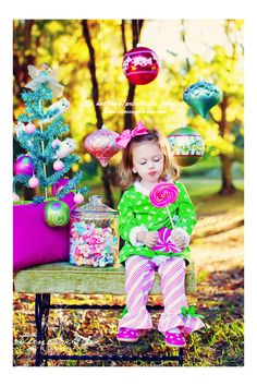 Cute Christmas Mini Photo Session Set Up / Prop Ideas / Child Photography / Candy / Holiday Card Ideas / Family / Fun Props