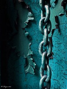 Rust | さび | Rouille | ржавчина | Ruggine | Herrumbre | Chip | Decay | Metal | Corrosion | Tarnish | Texture | Colors | Contrast | Patina | Decay | chains of decay series #2 by wroquephotography