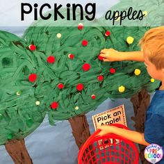 DIY Apple Orchard - How to change pretend into an Apple Orchard for preschool, pre-k, and kindergarten. Preschool Apple Theme, Apple Activities, Fall Preschool, Autumn Activities, Preschool Crafts, Tree Study, Dramatic Play Centers, Creative Curriculum, Kindergarten