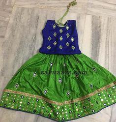Glass Work Green Lehenga Kids Dress Wear, Kids Gown, Dresses Kids Girl, Kids Outfits, Kids Lehanga Design, Kids Frocks Design, Kids Lehenga Choli, Kids Blouse Designs, Kids Ethnic Wear