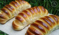 Szila: Vaníliapudinggal töltött rácsos kifli Hot Dog Buns, Hot Dogs, Bakery, Sweets, Bread, Cooking, Desserts, Drink, Cakes
