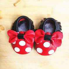 Genuine Leather Mickey and Minnie Toddler baby moccasins tassel and bow baby shoes Hot sales First Walkers Infant Shoes First Walkers, Baby Bows, Moccasins, Tassels, Infant, Hot, Leather, Stuff To Buy, Fashion