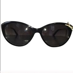 FLASH SALEKate Spade Sunglasses Kate Spade cat eye sunglasses with bow on left corner. Black frame, white bow, silver hardware. Comes with Sunglass Case (slight pen mark on case) and Cleaning Cloth in original packaging. Check out my closet for more great deals and bundle discounts, kate spade Accessories Sunglasses