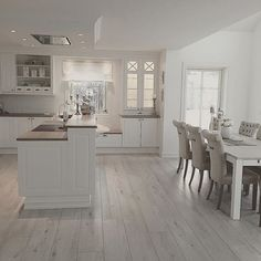 When it comes to interior design, anyone can really make the changes that the home needs. It just takes some ideas and knowing your options. Once you have ideas, you can turn those ideas into som Home Decor Kitchen, Dining Room Decor, House Interior, Home Kitchens, Home, Interior, Kitchen Design, Home Decor, Contemporary Kitchen