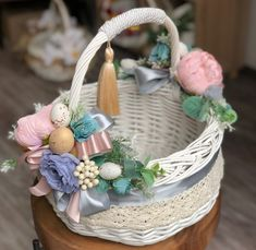 Trendy diy paper basket easter gifts for teachers Diy Baby Gate, Easter Crafts For Kids, Easter Gift, Sewing Baskets, Flower Girl Basket, Paper Basket, Basket Decoration, Valentine's Day Diy, Easter Baskets