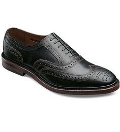 McTavish - Wingtip Lace-up Casual Mens Shoes by Allen Edmonds. Which sounds so formal but quite nice and comfy nonetheless Oxford Shoes Outfit, Casual Oxford Shoes, Black Dress Shoes, Me Too Shoes, Men's Shoes, Shoe Boots, Groom Shoes, Shoes Stand, Wingtip Shoes
