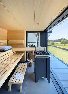 Sauna with a view Portable Steam Sauna, Sauna Steam Room, Ski Chalet Decor, Sauna Seca, Sauna Design, Outdoor Sauna, Steam Spa, Spa Rooms, Spanish House