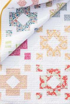 Diamond Lanterns quilt pattern by Emily of Quiltylove.com. Fat Eighth and Fat quarter friendly quilt pattern for the modern quilter. Uses Lemontree fabrics.