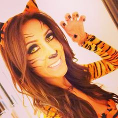 Halloween Sexy Tiger. Face paint. Halloween contact. Simple but perfect.