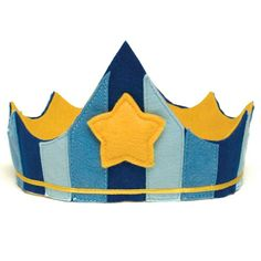 Felt Crown for kids makes a great birthday crown or fun dress up play. Blue felt crown with gold star for a little prince or king. Dress up play from Bella Luna Toys. Crafts For Boys, Diy For Kids, Crown For Kids, Crown Template, Heart Template, Butterfly Template, Flower Template, Birthday Traditions, Felt Crown