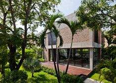 MM++ Architects replaces the old walls of a Vietnam house
