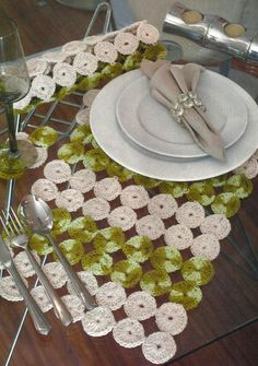 24 coll placemats for elegant table settings. Placemats for table Placemats are a good and effective way to decorate and organize a dining table setup. Crochet Table Mat, Crochet Placemats, Crochet Box, Crochet Chart, Crochet Squares, Love Crochet, Crochet Doilies, Crochet Designs, Crochet Patterns