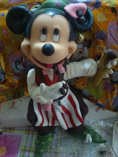 *SORRY, no information as to product used, FOREIGN ~ Mickey de Natal - peça decorativa by CINDYBR, via Flickr