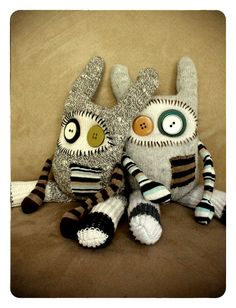 Recycled Creatures, make from old sweaters? Fabric Animals, Sock Animals, Clay Animals, Sewing Toys, Sewing Crafts, Sewing Projects, Ugly Dolls, Creepy Dolls, Sock Crafts