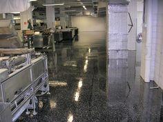Liate epoxidové podlahy realizujeme vo výrobných halách, skladoch, dielňach, servisoch a všade tam kde sú potrebné bezprašné, nenasiakavé, hygienicky a zdravotne nezávadné podlahy. Dplhá životnosť, maximálna spokjnosť.
